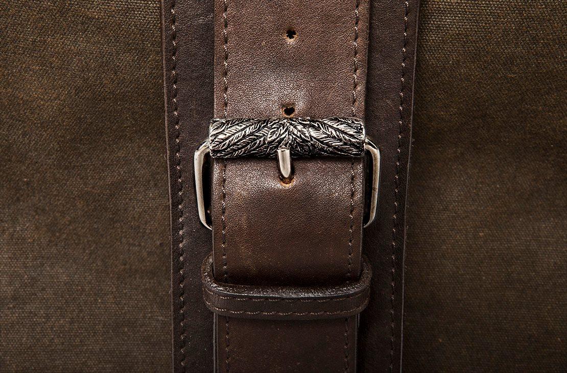 Dettaglio orafo delle borse in pelle Fabio Lissi
